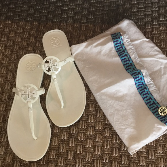 2312451d9146a Tory Burch Off White Miller jelly sandal. M 5adc7f0b85e6058745157959